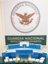Guardia Nacional y Ejército Mexicano interceptaron un envío con 12 mil cápsulas de medicamento controlado en Qro